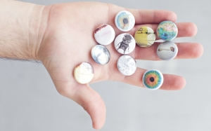 BUTTONS8